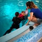 Wiktoria na delfinoterapii