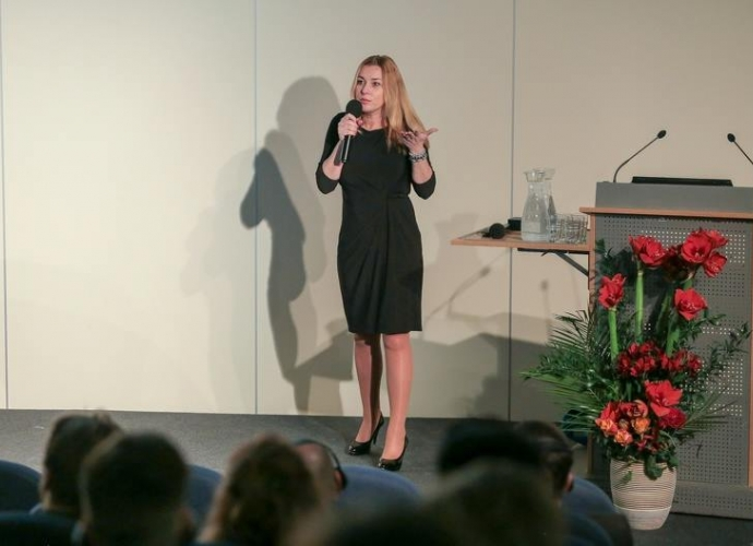 Fundacja Między Niebem a Ziemią - aktualność DEICHMANN – konferencja