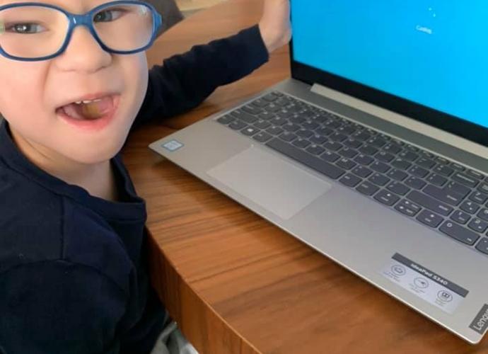 Fundacja Między Niebem a Ziemią - aktualność Laptop dla Saszy