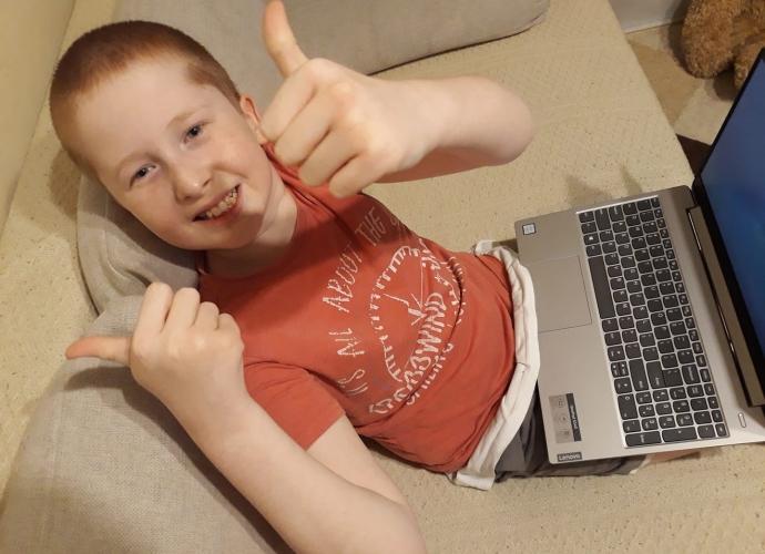 Fundacja Między Niebem a Ziemią - aktualność Laptop dla Jacka