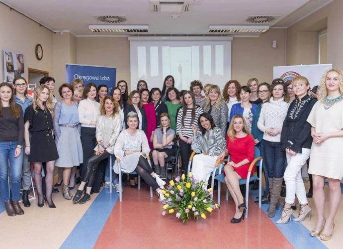 Fundacja Między Niebem a Ziemią - aktualność Dzień Kobiet dla naszej Fundacji:)